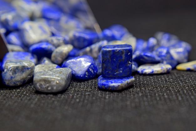 ราศีกุมภ์ lapis lazuli